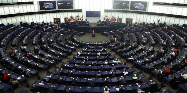 L'ue veut debloquer 120 milliards d'euros en assouplissant les regles de l'assurance[reuters.com]