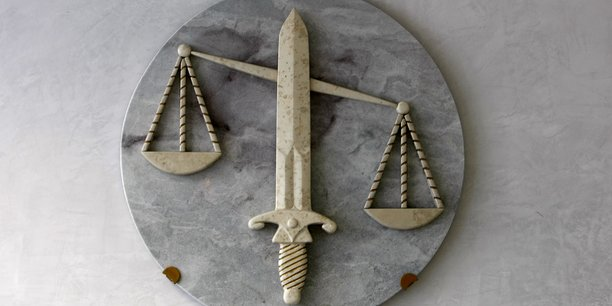 France: carlos condamne a la reclusion criminelle a perpetuite[reuters.com]