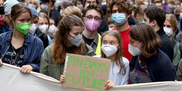 La jeunesse se mobilise de nouveau a travers le monde pour le climat[reuters.com]