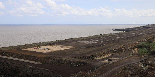 L'aeroport de la palma a rouvert, les vols encore annules a cause du volcan[reuters.com]