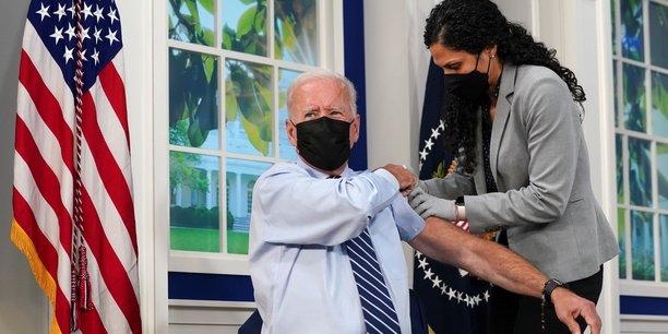 Joe biden a recu une dose de rappel du vaccin anti-covid[reuters.com]