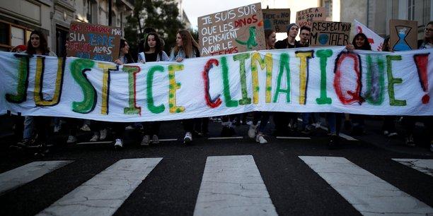 La justice estime le déficit à 15 millions de tonnes d'émission de CO2 par rapport à la trajectoire carbone défendue par le gouvernement sur la période 2015 - 2018.