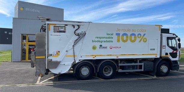 Biodégradable et issu de colza 100% made-in-France, l'Oleo 100 se pose en alternative du gazole pour les acteurs des déchets comme Veolia.