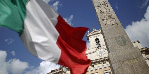 Selon la justice italienne, les agences de notation auraient coûté 117 milliards d'euros au pays. (Reuters/Alessandro Bianchi)