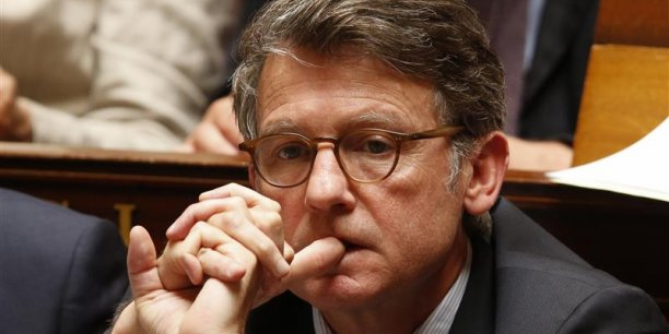 Le ministre de l'Éducation, François Peillon a proposé de geler l'avancement des fonctionnaires, selon les Echos. Selon la Cour des comptes, une telle mesure rapporterait 1,2 milliards d'euros. (Photo : Reuters)