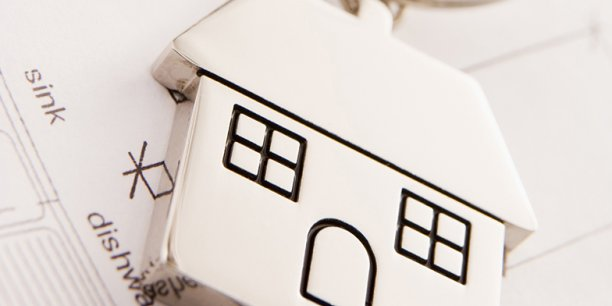 Découvrez quelles obligations administratives et juridiques il convient de respecter lors de l'ouverture d'une agence immobilière.