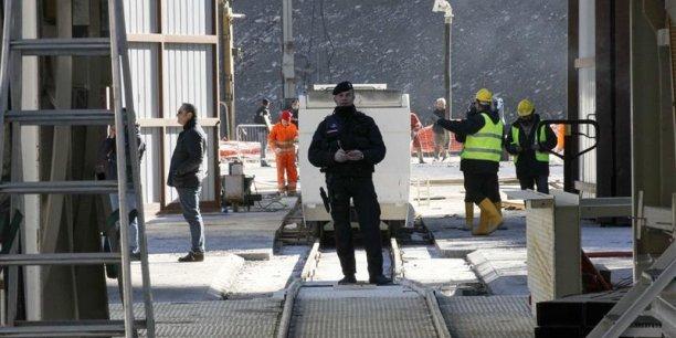 Yannick Jadot, par exemple, prône l'abandon de certains «grands projets inutiles» comme «les nouvelles lignes à grande vitesse, le tunnel Lyon-Turin (photo), l'aéroport de Notre-Dame-des-Landes, le Grand contournement ouest de Strasbourg, etc.».