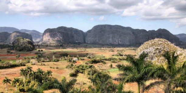 La Cordillère de Guaniguanico est l'une des trois principales chaînes de montagnes de Cuba. On peut visiter l'intérieur des grottes qui abritent des fossiles de paresseux et autres espèces disparues ou même les escalader...   © Alexander