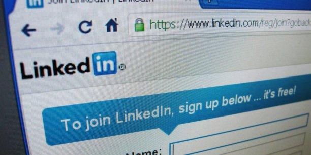 Le sourcing, travail de communication et de création de lien, grâce notamment aux réseaux sociaux, est un métier à part entière auquel nombre de recruteurs ne sont pas formés, il n'est en aucune façon le parent pauvre du recrutement... | REUTERS