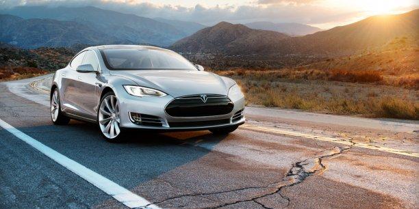 La Tesla S est une limousine pour riches écologistes