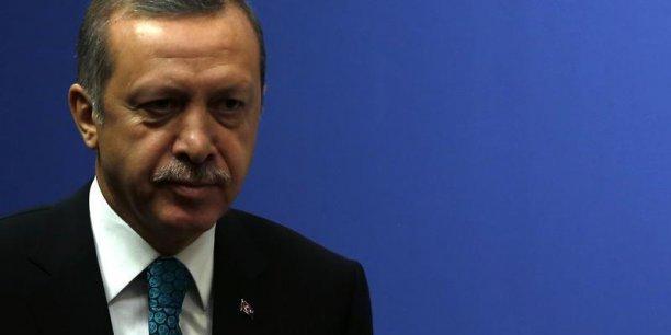 La livre turque continue sa dégringolade malgré les interventions temporaires de la banque centrale du pays, jugées insuffisantes par les marchés (Photo : Reuters)