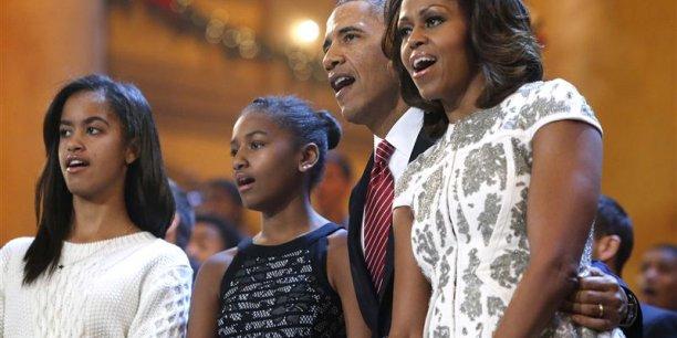 Dans ce récit; Barack Obama a eu quatre enfants avec Hillary Clinton