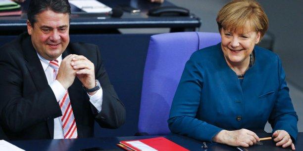 Sigmar Gabriel, à gauche, vice-chancelier SPD et Angela Merkel vont devoir apprendre à gouverner ensemble