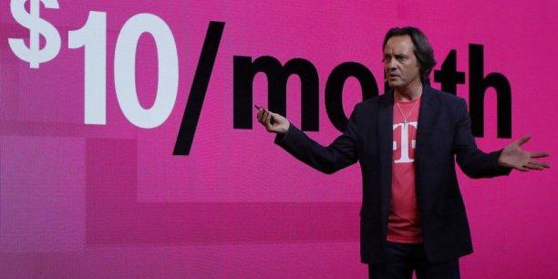 John Legere, le bouillant patron de T-Mobile USA, dont les coups d'éclats rappellent ceux d'un Xavier Niel, prendrait la tête du nouvel ensemble.