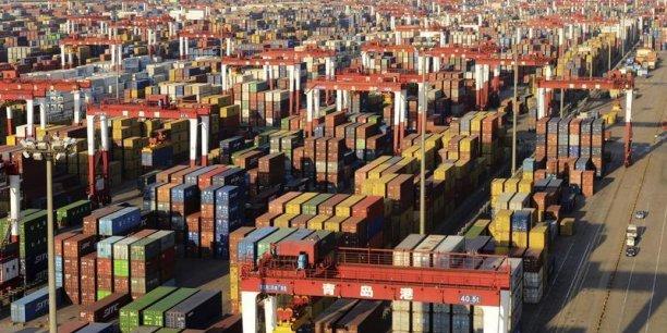 Une dépréciation de l'euro de 10% entraîne une hausse de 7,5% des exportations. Une hausse de l'euro a un effet quasiment symétrique, selon le CEPII