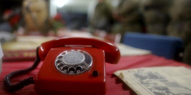 A la fin de l'été 1963, en plein guerre froide, la Maison-Blanche envoyait son premier message crypté au Kremlin, via le téléphone rouge. Un peu plus de 50 ans plus tard, Tokyo souhaiterait que ce canal de discussion se mette en place avec Pékin.
