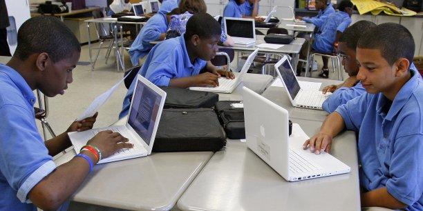 Les élèves américains sont depuis longtemps formés aux nouvelles technologies et à la communication. | REUTERS