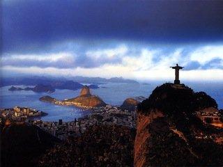La France n'apporte que 4 à 5% des IDE au Brésil, et se place désormais au 8e rang des investisseurs étrangers dans le plus grand pays d'Amérique du sud.