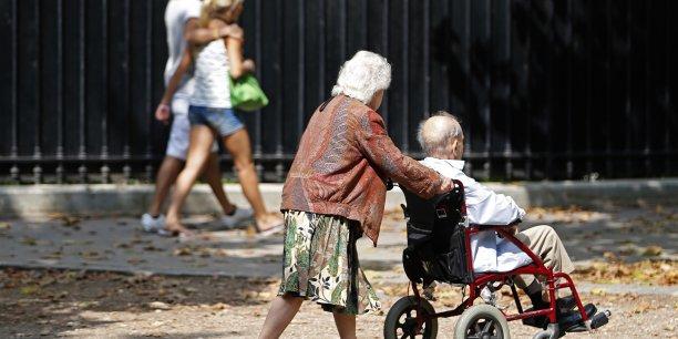 En 2050, le nombre des personnes âgées de plus de 75 représentera 16,4% de la population totale (avec une pointe à 21,5 en Corse) contre seulement 9% en 2013.