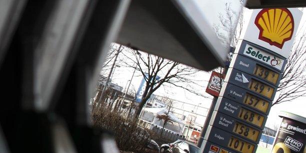 Shell surprend en lançant un avertissement sur résultats.