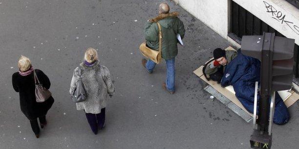 A Roubaix, 45% de la population vit avec un revenu inférieur ou égal au revenu médian.