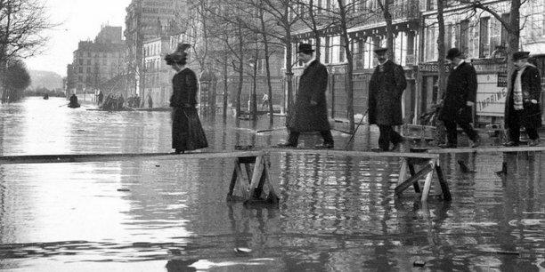 Les Grands boulevards, en janvier 1910