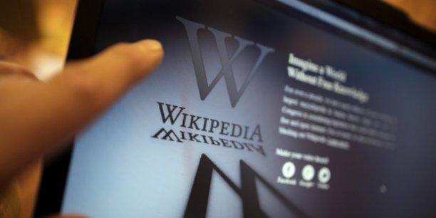Les lecteurs de Wikipédia pourront désormais savoir à quoi ressemble la voix des célébrités qui les intéressent et comment prononcer leur nom, explique le Wikimedia UK Blog