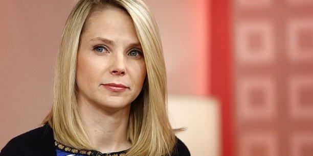Pour l'année 2013, Yahoo! affiche un chiffre d'affaires de 4,7 milliards de dollars, en recul de 6% par rapport à l'année précédente.