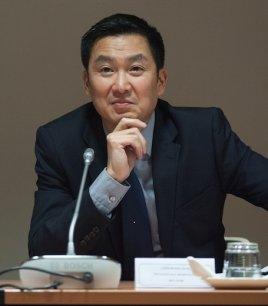 Liem Hoang Ngoc est député socialiste au parlement européen.