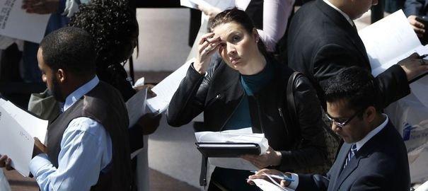 Les jeunes diplômés ayant récemment trouvé un emploi ont dû envoyer en moyenne 27 CV pour obtenir leur poste.