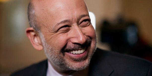 Lloyd Blankfein, le directeur général de la banque américaine Goldman Sachs, a choisi de délocaliser une partie de ses équipes de Londres à Francfort.