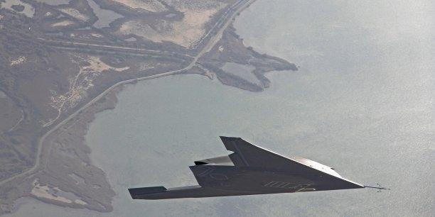 D'une durée de deux ans, l'étude est confiée au groupe français Dassault Aviation et au britannique BAE Systems, qui travailleront avec les motoristes Snecma (Safran), Rolls-Royce et avec les groupes d'électronique Thales et Selex.
