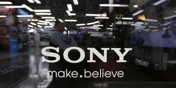 Le groupe Sony anticipe désormais une perte de 810 millions d'eurossur 2013. (Reuters/Yuya Shino)