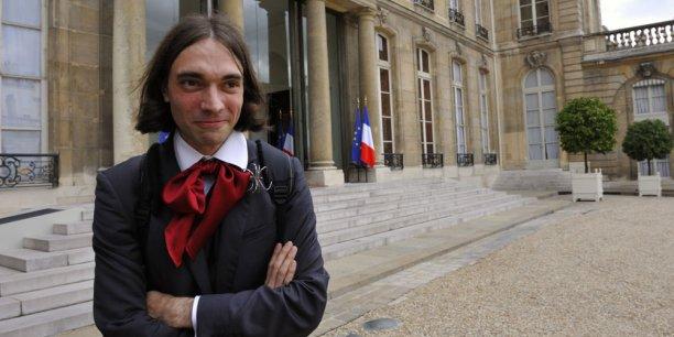 Cédric Villani, lauréat de la médaille Fields défend sa légitimité en tant que soutien d'Anne Hidalgo.