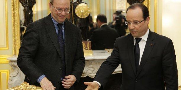 François Hollande déjeunera notamment avec Eric Schmidt, le président exécutif de Google, qu'il a reçu à plusieurs reprises à l'Elysée.