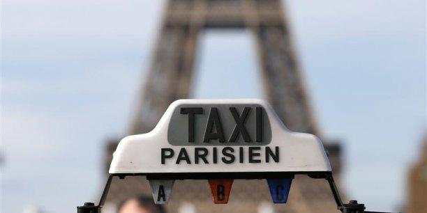Parmi les propositions de Thomas Thévenoud pour réguler le marché des taxis : imposer des tarifs forfaitaires fixés à l'avance pour les trajets vers les aéroports. (Photo : Reuters)