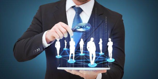 Les réseaux sociaux d'entreprise accélèrent le passage d'une communication verticale à un modèle horizontal.