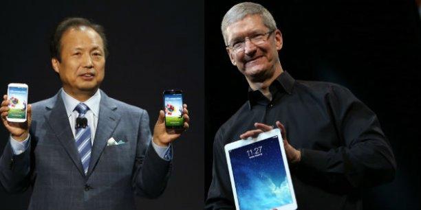 JK Shin (PDG de Samsung) et Tim Cook (PDG d'Apple) se livrent une guerre des brevets sans merci depuis plus de deux ans.