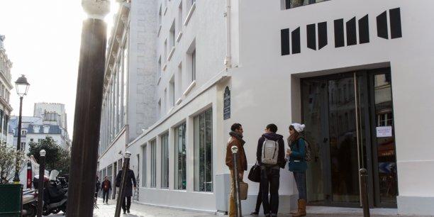 Le Numa (mot forgé à partir de « numérique » et « humain »), à Paris, qui concentre au coeur d'un même espace des événements et des programmes de travail collaboratif, d'expérimentation et d'accélération de projets. C'est dans ce genre de lieux que s'élaborent les métiers de demain.