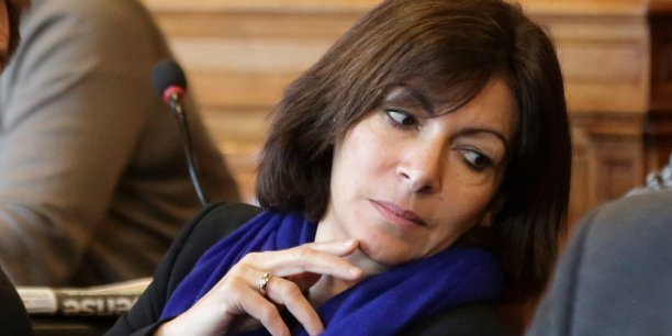 Si elle est élue, Anne Hidalgo s'engage à ne pas augmenter les impôts locaux pesant sur les entreprises. (Reuters/Philippe Wojazer)