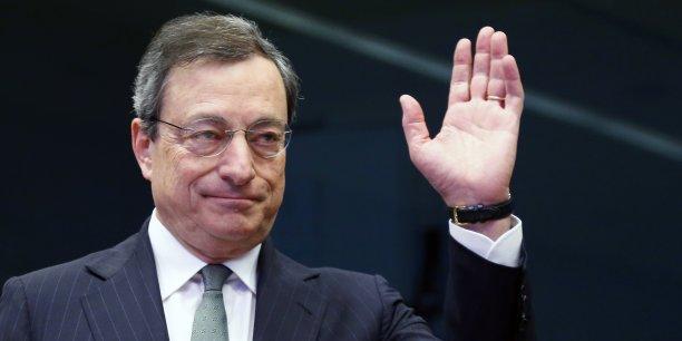 Mario Draghi doit mener une politique en équilibre précaire. /Reuters