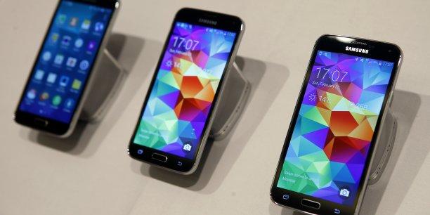Présenté lundi soir au premier jour du congrès mondial du mobile à Barcelone, le Galaxy S5 est le dernier né du constructeur Samsung.
