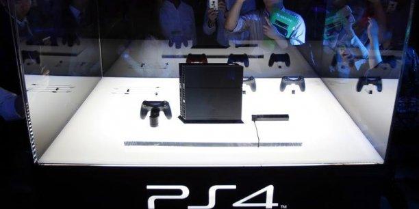 Sony a dû sacrifier la rentabilité de sa PS4 pour gagner des parts de marchés face à la Wii U de Nintendo et la Xbox One de Microsoft. (Photo : Reuters)