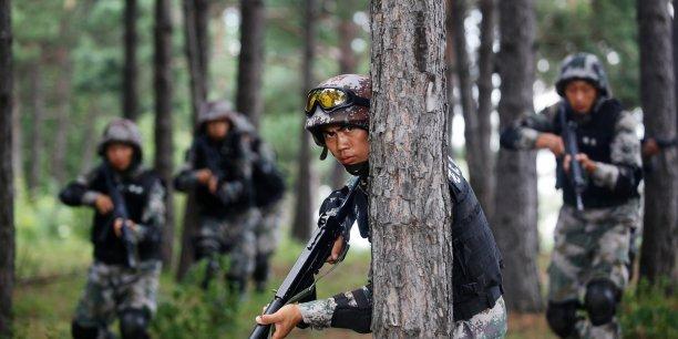 Désormais, seuls les Etats-Unis consacrent davantage d'argent que la Chine à leurs dépenses militaires. (Reuters/China Daily)