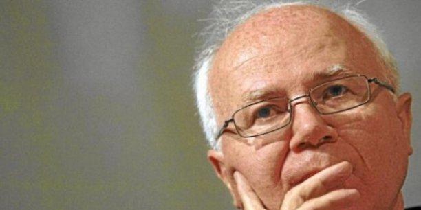 Bruno Lasserre, le président de l'Autorité de la concurrence, estime que la perspective du rachat du réseau mobile de Bouygues par Free change la donne.