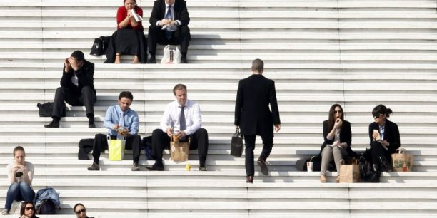 L'Apec précise avoir reçu 57 000 offres d'emplois au total en mars 2014, soit une progression de 3% comparé à l'an dernier à la même époque. Reuters