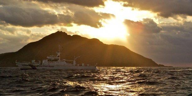 Pékin et Tokyo se disputent notamment la souveraineté de territoires inhabités en mer de Chine orientale, les îles Senkaku, contrôlées par le Japon mais revendiquées par la Chine sous l'appellation Diaoyu.