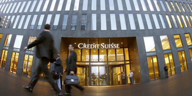 Crédit Suisse travaille sur un plan qui prévoit la suppression d'environ 500 postes, dont près de la moitié en Suisse