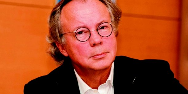 Henri J. Nijdam, directeur du Nouvel Économiste : J'ai déclaré récemment : le numérique est en train de sauver la presse, après l'avoir tuée. Et j'ai ajouté :  en fait, c'est faux, la presse s'était tuée toute seule .