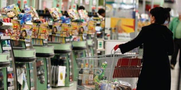 Après une baisse de 0,7% en février, la consommation en produits alimentaires redresse en mars (+0,4%). (Photo : Reuters)